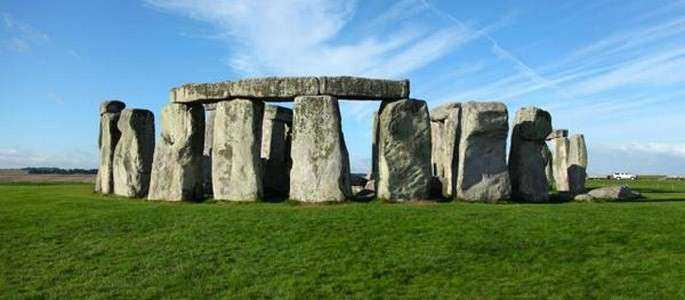 """15 noi monumente """"schimbă"""" misterul de la Stonehenge"""