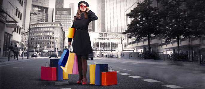 Go shopping! A început sezonul reducerilor în Paris