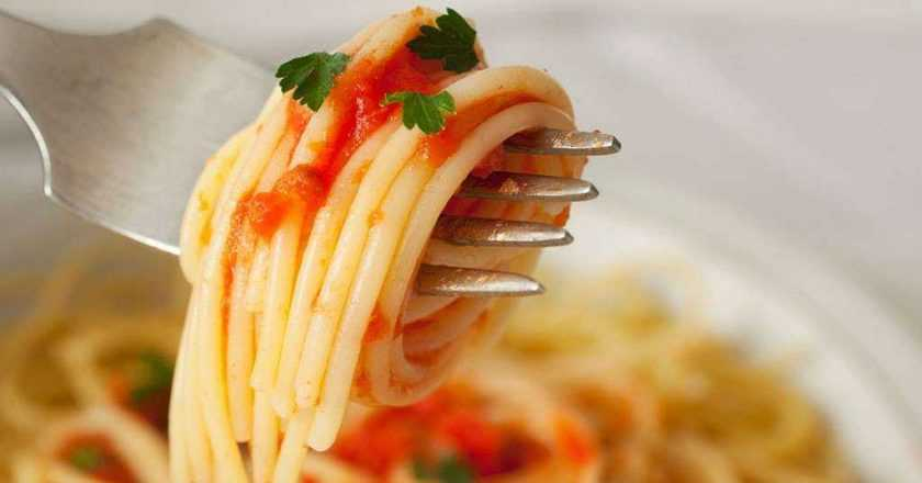 Cum să mănânci spaghete ca un italian