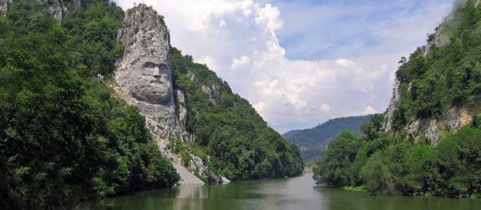 Vizitează România! 10 atracții românești mai puțin știute