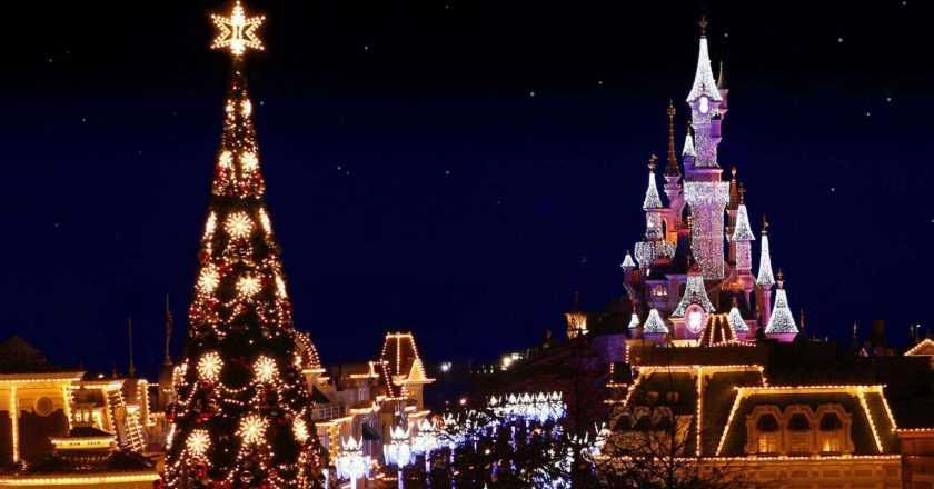 Cum să te bucuri de Crăciun în Paris