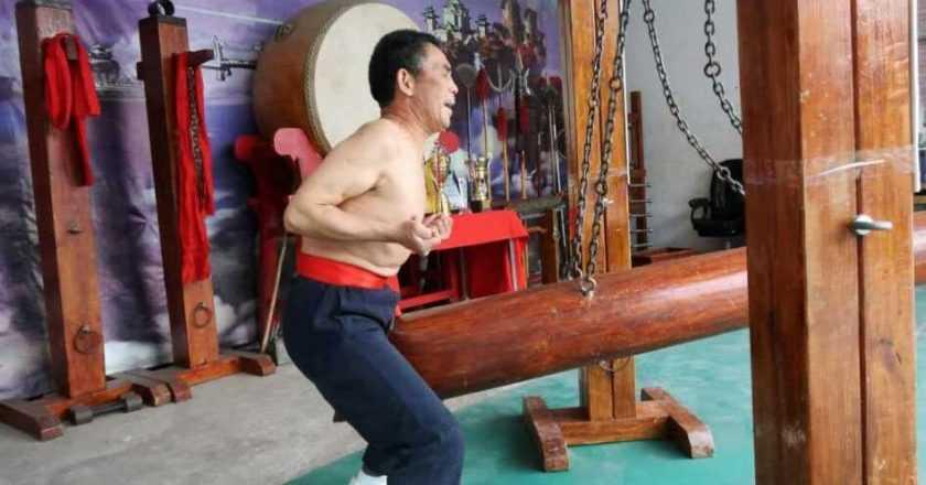 Maeștrii chinezi kung fu și o tradiție mai puțin obișnuită