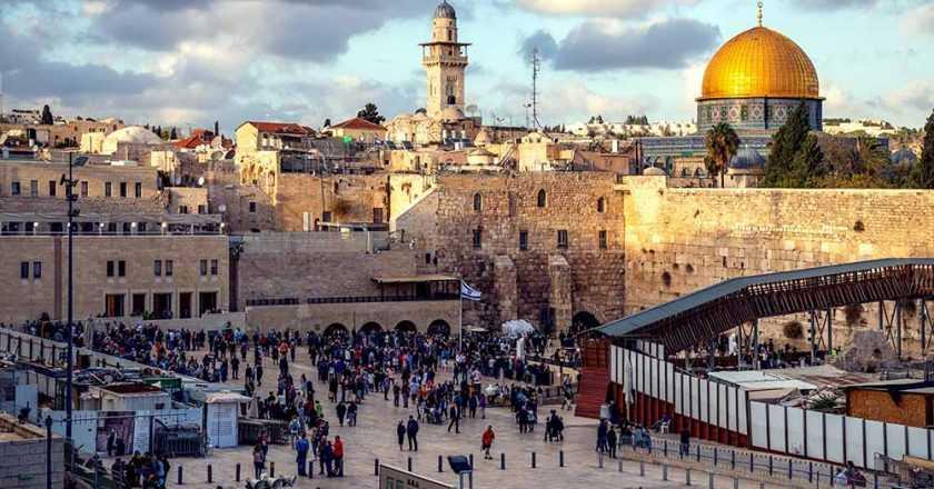 Începând din mai, Israelul va permite accesul turiștilor vaccinați